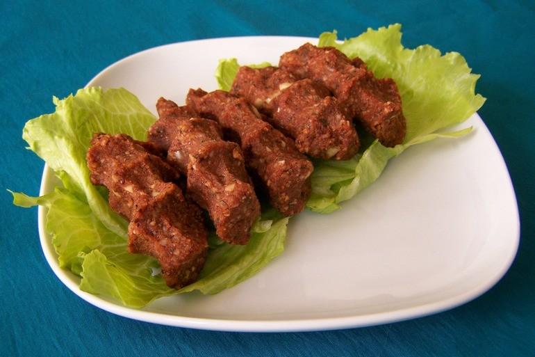 cig kofte met noten, vegetarisch, veganistisch, koolhydraatarm