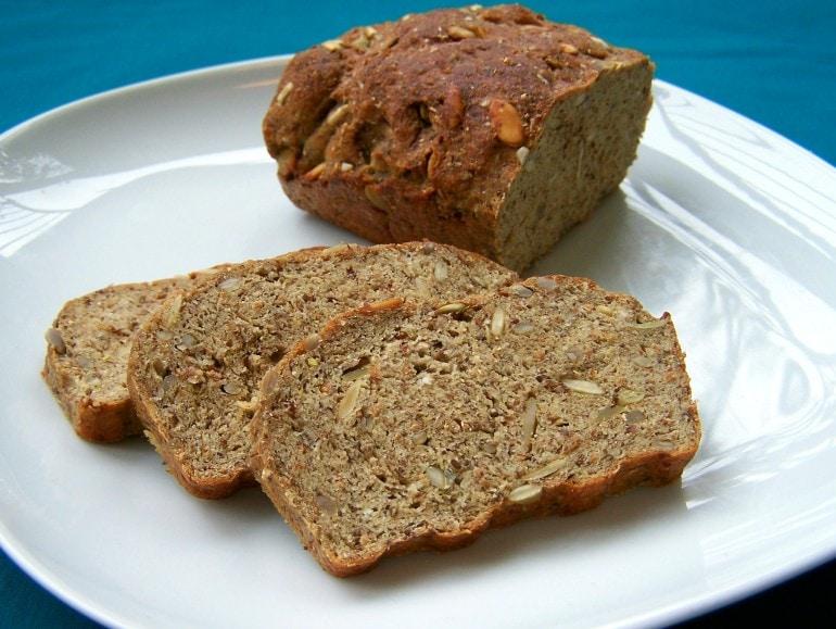 Eiwitrijk pittenbrood, koolhydraatarm, veganistisch