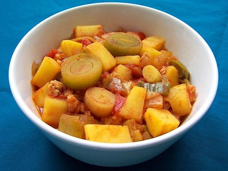 Koolraap stoofpot met tomaat, vegetarisch, veganistisch