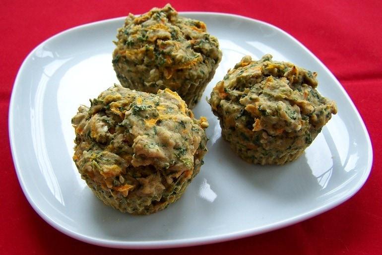 Hartige wortel-spinazie muffins, veganistisch zonder ei, zonder kaas