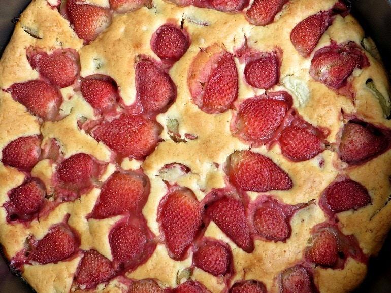 Rabarber-aardbeientaart, vegan