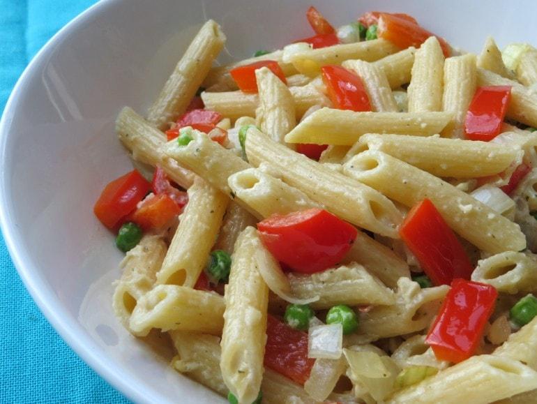 Pasta 'carbonara' met baba ganoush, vegan