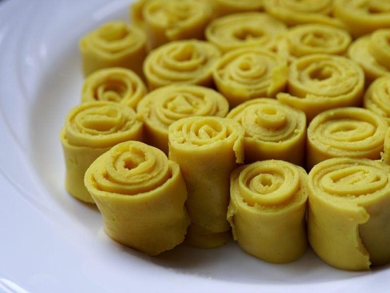 Vegan omeletrolletjes, khandvi