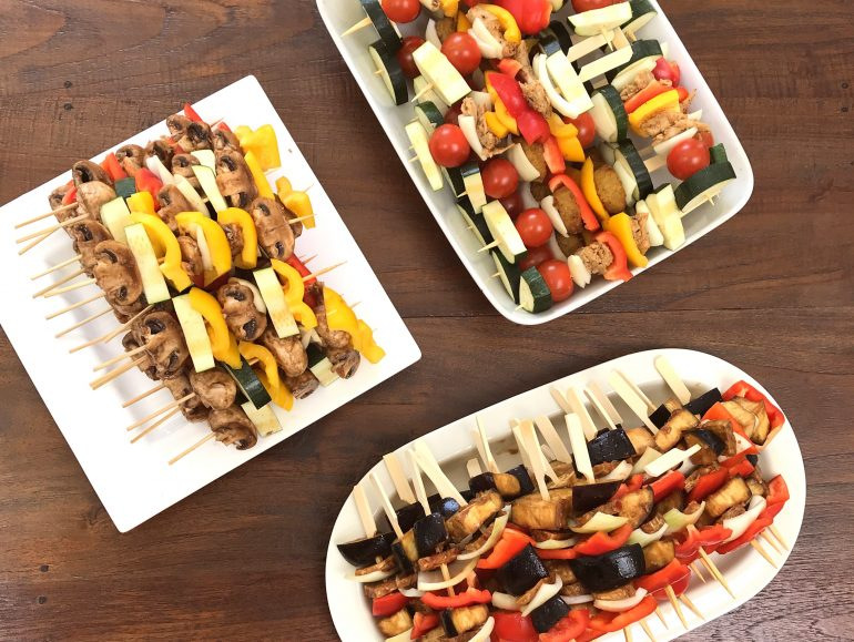 Vegan barbecue, spiesjes