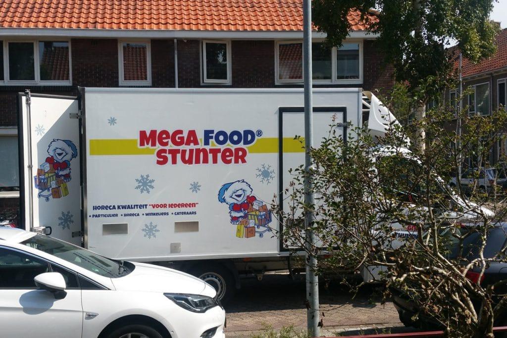 Megafoodstunter bestelwagen
